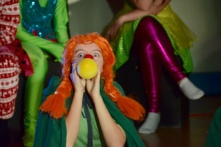 Migrant Children Enjoy Clown Show at ASW
